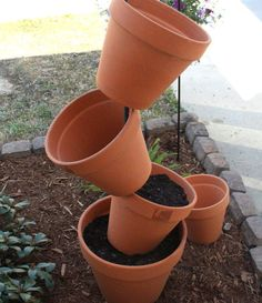DIY Garden Project: Topsy Turvy Flower Planter - we heart this | we heart this
