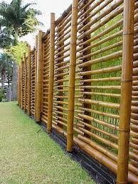 35 Admirable Bamboo Garden Fence Design Ideas - A bamboo garden fence is a fantastic addition to any garden area. It can be used in creating a boundary between your garden and the rest of your yard . Brick Fence, Front Yard Fence, Fence Stain, Metal Fence, Fence Gate, Fence Panels, Vinyl Fencing, Gabion Fence, Small Fence