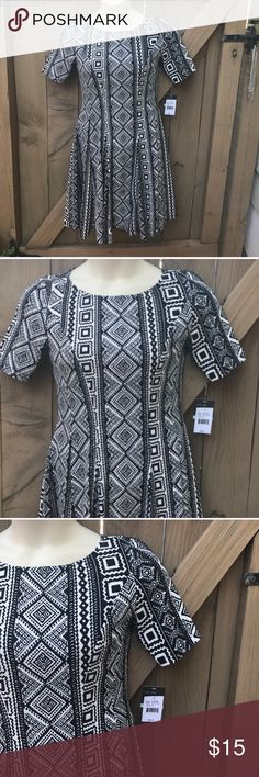NWT size 8 Gabby Skye fit and flare aztec dress NWT size 8 Gabby Skye fit and flare aztec dress Gabby Skye Dresses