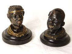 """Paire d'encriers en bronze dits """"aux Nègres"""" XIXe siècle"""