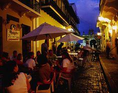 San Juan, Puerto Rico, Caribbean: Nighttime dining in Old San Juan - getting excited!!