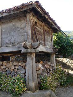 Traditional wood store Los Picos de Europa 2009