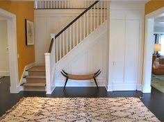 Foyer/ entryway - paneling