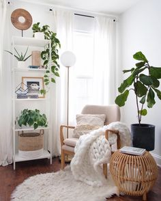 Cozy corner, reading nook KC Design Co. Living Room Designs, Living Room Decor, Bedroom Decor, Living Room Inspiration, Home Decor Inspiration, Deco Studio, Aesthetic Room Decor, Lounge Decor, Cozy Room