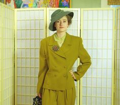 RESERVED FOR DOROTHIE Vintage 80's Swagger Pant Suit . Green Gold Worsted Wool…