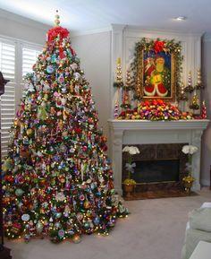 Easy DIY Christmas Mantel Decor Ideas for Your Fireplace Diy Christmas Mantel, Christmas Fireplace, Christmas Scenes, Noel Christmas, Holiday Tree, Christmas Tree Decorations, Fireplace Decorations, Xmas Trees, Christmas Ornaments