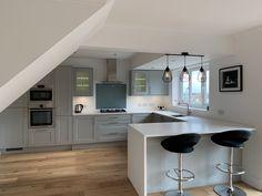 3 Simple Improvement Ideas For Your Kitchen Space – Home Dcorz Open Plan Kitchen Living Room, Kitchen Family Rooms, Home Decor Kitchen, Kitchen Interior, Kitchen Ideas, Oak Kitchen Cabinets, Kitchen Worktop, Kitchen Hardware, Kitchen Layout