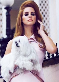 Lana Del Ray is our beauty icon for 2013, her look is a wonderful throwback to 1950s glamour and we just can't get enough of her bouffant do.