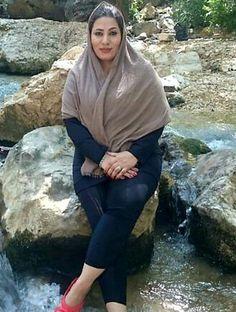 Muslim Girls, Muslim Women, Beautiful Iranian Women, Hot Muslim, Most Beautiful Bollywood Actress, Glamour Ladies, Persian Girls, Free Mom, Curvy Women Fashion
