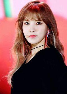 Wendy# Red velvet ❤k pop Seulgi, South Korean Girls, Korean Girl Groups, Rapper, Oppa Gangnam Style, Wendy Red Velvet, Peek A Boos, Me As A Girlfriend, Olaf