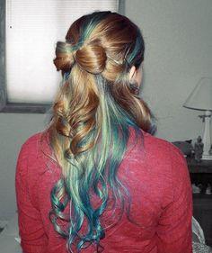 Bow in the blue hair Ombré Hair, Her Hair, Hair Bow, Beautiful Braids, Gorgeous Hair, Pretty Hairstyles, Braided Hairstyles, Hairstyle Ideas, Hair Ideas