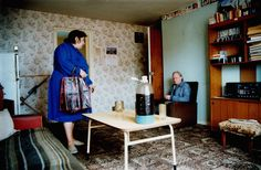Richard Billingham- Ray's a laugh – La pajarera Narrative Photography, Color Photography, Street Photography, Photography Names, Richard Billingham, Everyday Activities, School Photos, Working Class, Contemporary Interior Design