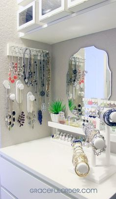 Jewelry Storage Master Closet Necklaces IH - Sharing some Bedroom Closet Organization Ideas to get you motivated and inspired to get your day off on a great start. Master Closet, Closet Bedroom, Closet Space, Closet Nook, Closet Redo, Closet Vanity, Closet Remodel, Organizar Closet, Diy Casa