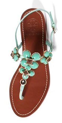 Tory Burch thong sandals http://rstyle.me/n/fik9qpdpe