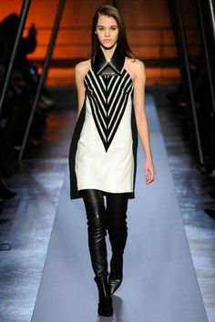Farb-und Stilberatung mit www.farben-reich.com - Roland Mouret | Fall 2014 Ready-to-Wear Collection | Style.com