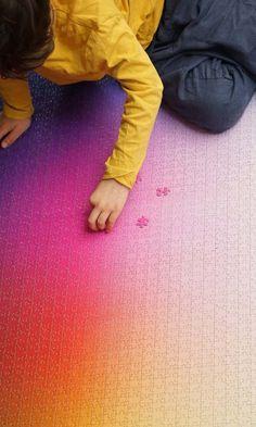 Voici le 5000 Colors Puzzle imaginé par le designer Clemens Habicht, un puzzle géant dont chacune des 5000 pièces possède une couleur différente. Les desig