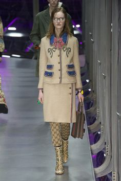 #DéfiléGucci #fashion #Koshchenets     Défilé Gucci prêt-à-porter femme automne-hiver 2017-2018 90