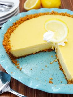 Lemon Icebox Pie - the sweet tartness of lemon and soft and creamy texture of key lime pie.