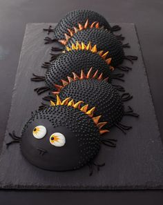 Spooky Centipede Cake is for weirdos (er, advanced palate people) who love black licorice. Spooky Centipede Cake is for weirdos (er, advanced palate people) who love black licorice. Pretty Cakes, Cute Cakes, Beautiful Cakes, Amazing Cakes, Crazy Cakes, Fancy Cakes, Pink Cakes, Halloween Treats, Halloween Fun