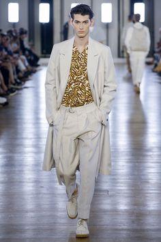 Cerruti 1881 Spring 2018 Menswear Collection Photos - Vogue