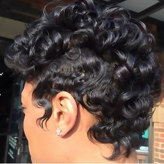 STYLIST FEATURE| Love this curly ➰#mohawk #pixiecut ✂️done by #AtlantaStylist @PaulaBrittStyles Those waves and curls are classic❤️ #VoiceOfHair ========================= Go to VoiceOfHair.com ========================= Find hairstyles and hair tips! =========================