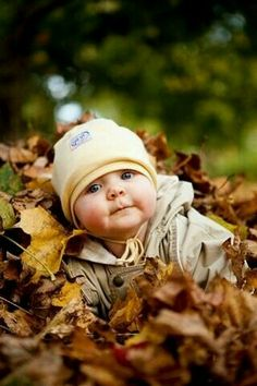 So Cute - Baby in leaves for fall photo So Cute Baby, Baby Love, Baby Baby, Baby Sleep, Adorable Babies, Cute Babies Pics, Baby Kids, Babies Stuff, Baby Kalender