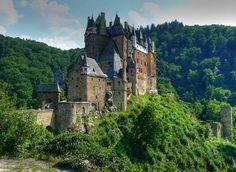 7 Fairy Tale Castles