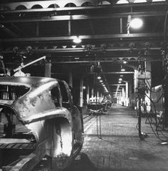 tucker car being built | History Searching for 1948 Tucker photos - Page 30 - THE H.A.M.B.
