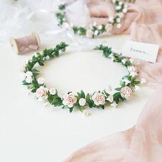 Ideas For Flowers Crown Baby Wedding Hairstyles Baby Breath Flower Crown, Flower Crown Wedding, Wedding Hair Flowers, Flowers In Hair, Pink Flowers, Wedding Dresses, Quince Hairstyles, Wedding Hairstyles, Baby Wedding