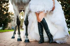 Wedding} Jennifer + Stephen: Fairy Tales Come True A great Equestrian shot! {fairy tale wedding, fairytale,white horse}A great Equestrian shot! Horse Wedding Photos, Bridal Pictures, Wedding Pictures, Pictures With Horses, Estilo Country, Photo Couple, White Horses, Equestrian Style, Bridal Portraits