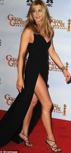 sexy jenifer aniston!! head to pretty toes gorgeous!!