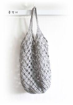 코바늘 네트백 / 코바늘 그물가방 ( 도안 ) : 네이버 블로그 Crochet Box, Crochet Clutch, Filet Crochet, Crochet Shawl, Knit Crochet, Net Bag, Knitted Bags, Clutch Purse, Purses