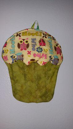 Hey, I found this really awesome Etsy listing at https://www.etsy.com/listing/290821989/cupcake-potholder-owl-potholder-oven