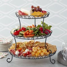 Thanksgiving Appetizers, Christmas Appetizers, Thanksgiving Recipes, Christmas Brunch, Elegant Desserts, Elegant Appetizers, Dessert Stand, Food Platters, Clean Eating Snacks