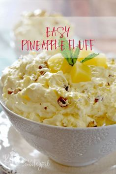 dessert recipes With only a few ingredients, this light and creamy Easy Pineapple Fluff comes together in just a few minutes and is the perfect dessert for spring! Fluff Desserts, Brownie Desserts, Oreo Dessert, Mini Desserts, Coconut Dessert, Jello Desserts, Easy Desserts, Dessert For Bbq, Cool Whip Desserts