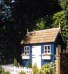 Love this Wendy House be even better with porch and some more little touches