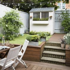 in this beautiful post completed with dozens of nice images you would difficult to match, this is 10 small courtyard garden ideas you could copy for your small garden or backyard space Small Garden Uk, Very Small Garden Ideas, Small Front Gardens, Garden Ideas To Make, Small Garden Landscape, Small Courtyard Gardens, Small Backyard Gardens, Backyard Patio Designs, Backyard Landscaping