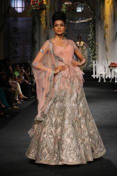 Real Punjabi Wedding: Modern Indian Bridal Dresses - 3 - Indian Wedding Site Home - Indian Wedding Site - Indian Wedding Vendors, Clothes, I. Indian Wedding Fashion, Indian Bridal Wear, Bridal Fashion Week, Pakistani Bridal, Indian Wear, Indian Style, Indian Dresses, Indian Outfits, Indian Clothes
