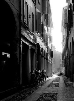Controluce nei portici, Bologna byRoberta Fuganti | Un weekend visitando i monumenti di #WikiLovesMonuments in #EmiliaRomagna
