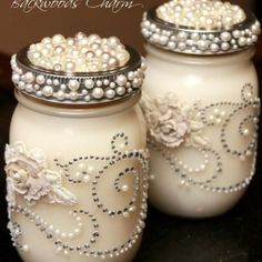 Mason Jar Centerpieces With Candles Embellish Mason jar with pearls, rhinestone, flowers and use as vases on the table. A smaller jar can be used for votives Mason Jar Projects, Mason Jar Crafts, Bottle Crafts, Diy Projects, Crafts In A Jar, Diy Crafts, Diy Bottle, Pallet Crafts, Upcycled Crafts
