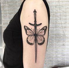 Tattoos Skull, Girly Tattoos, Pretty Tattoos, Leg Tattoos, Body Art Tattoos, Cool Tattoos, Butterfly Tattoos For Women, Wrist Tattoos For Women, Butterfly Tattoo Designs