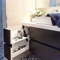 Small bathroom organization Ideas that will add more spaces during relaxation Pa. - Small bathroom organization Ideas that will add more spaces during relaxation Part 33 Bathroom Cabinets, Bathroom Furniture, Bathroom Sinks, Bathroom Rack, Glass Bathroom, Wooden Furniture, Outdoor Furniture, Modern Bathroom, Master Bathroom