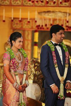 A Fairytale Wedding of Gayathri & Dinesh Tamil Wedding, Wedding Mandap, Indian Bridal Hairstyles, Bride Hairstyles, Flower Garland Wedding, Wedding Garlands, Floral Garland, Wedding Couples, Wedding Bride