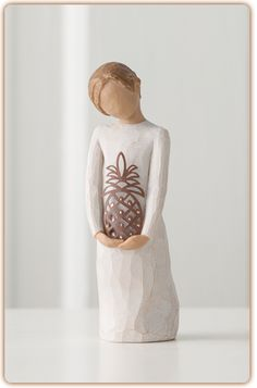 """Willow Tree Figurine-Gracious  """"A warm welcome from me to you"""""""