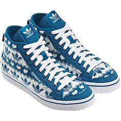 Adidas se moderniza y se rinde al tricot Hip Hop Sneakers, All About Shoes, Vans Sk8, Adidas Shoes, Adidas Women, Adidas Originals, Trainers, Kicks, Converse