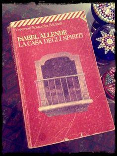 Ci sono libri e libri: libri che si leggono una sola volta, libri che si leggono più volte. Certi libri...