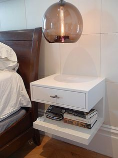 Wall mounted bedside table - the floor space saver and a stylish shelf. Closet Bedroom, Bedroom Bed, Bedroom Furniture, Master Bedroom, Bedroom Decor, Design Bedroom, Bedrooms, Bedding Decor, Bedroom Ideas