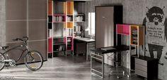 Avatar pro C134 . Habitación juvenil con cama abatible vertical, armario de puertas correderas, estanterías y escritorio