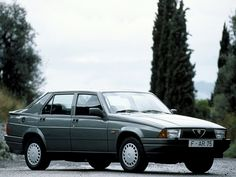 Alfa Romeo 75 (1988 - 1992).