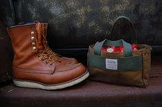 Red Wing 877 boots Filson shell bag